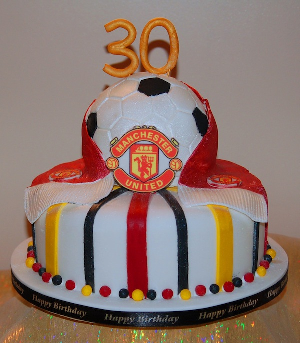 2-tier-manu-football-designer-theme-birthday-wedding-engagement-cakes-cupcakes-mumbai-12