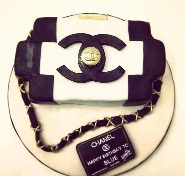 chanel-bag-designer-theme-birthday-wedding-engagement-cakes-cupcakes-mumbai-50