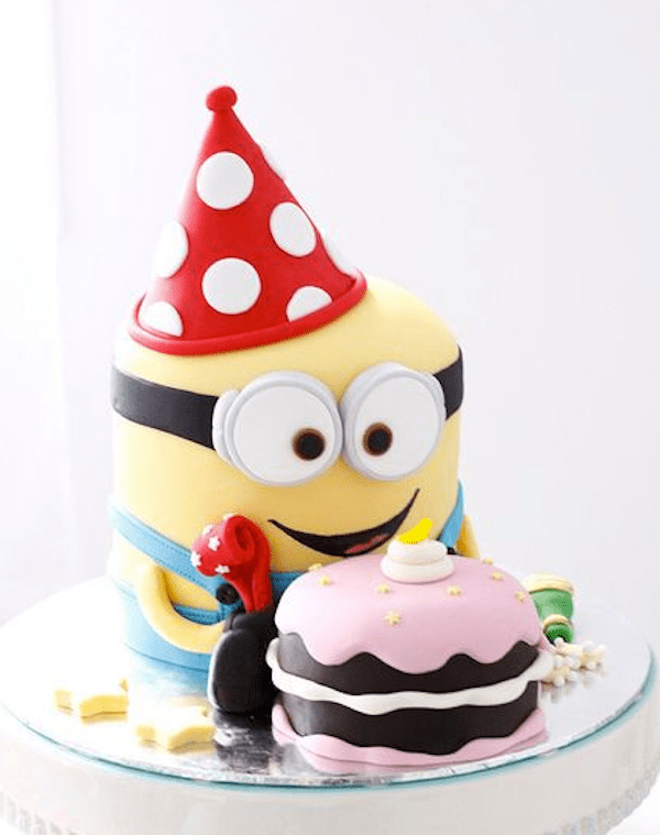 minion-designer-theme-birthday-wedding-engagement-cakes-cupcakes-mumbai-7