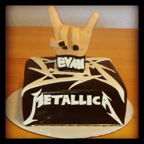 metallica-music-theme-customised-cakes-cupcakes-mumbai-buy-online-25