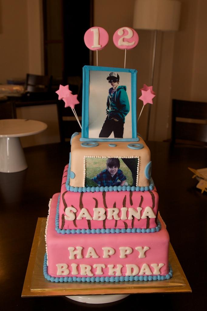 music-theme-customised-cakes-cupcakes-mumbai-buy-online-10