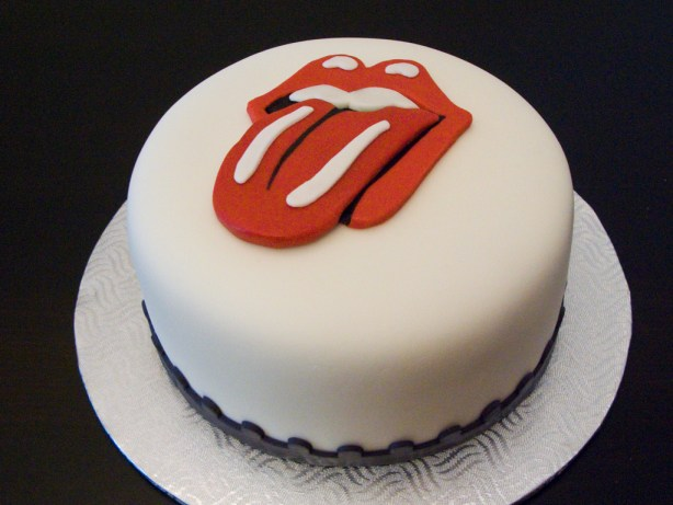 rolling-stones-music-theme-customised-cakes-cupcakes-mumbai-buy-online-12
