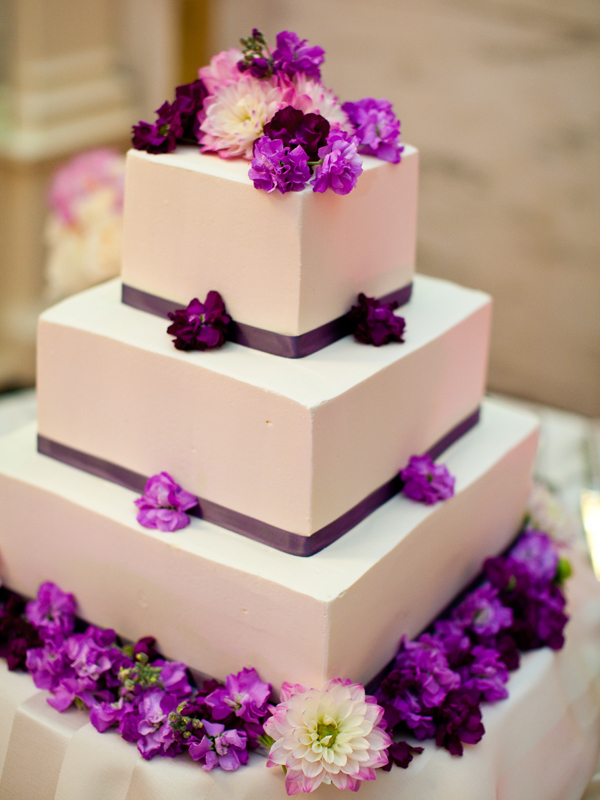 Wedding designer Cake with Flowers Mumbai