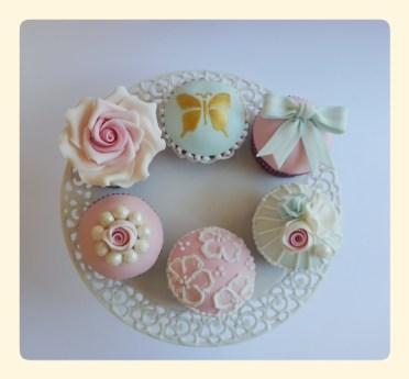 Glamour vintage cupcakes. 2 euro/stuk