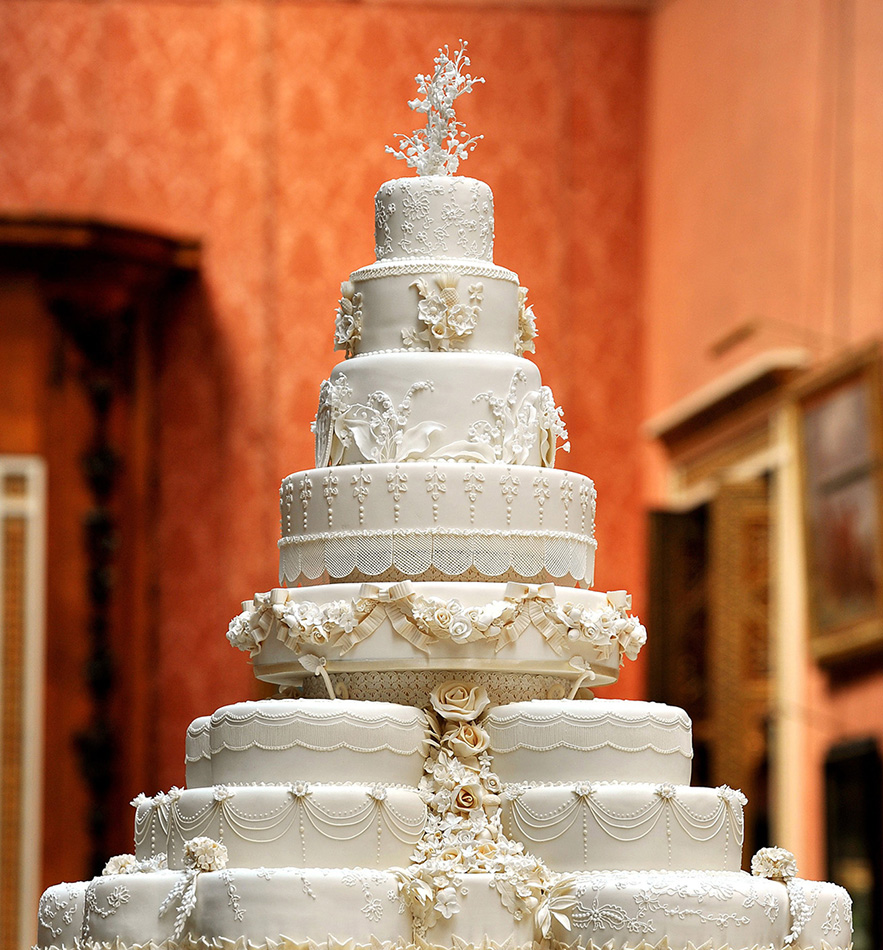 WORLD S MOST EXPENSIVE CAKE COST  52 MILLION     CAKES BY TOSAN WORLD S MOST EXPENSIVE CAKE COST  52 MILLION