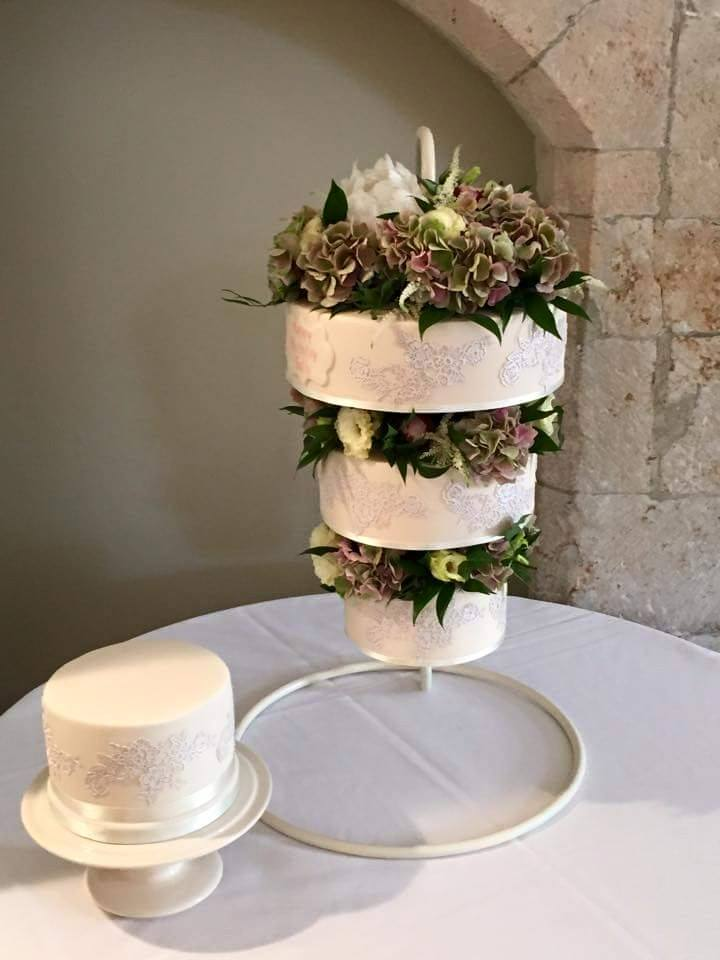 Round Chandelier Cake Stand Hanging Cake Stands