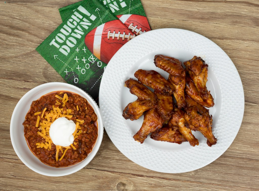 Healthy Game Day Recipes: Chili and Wings?