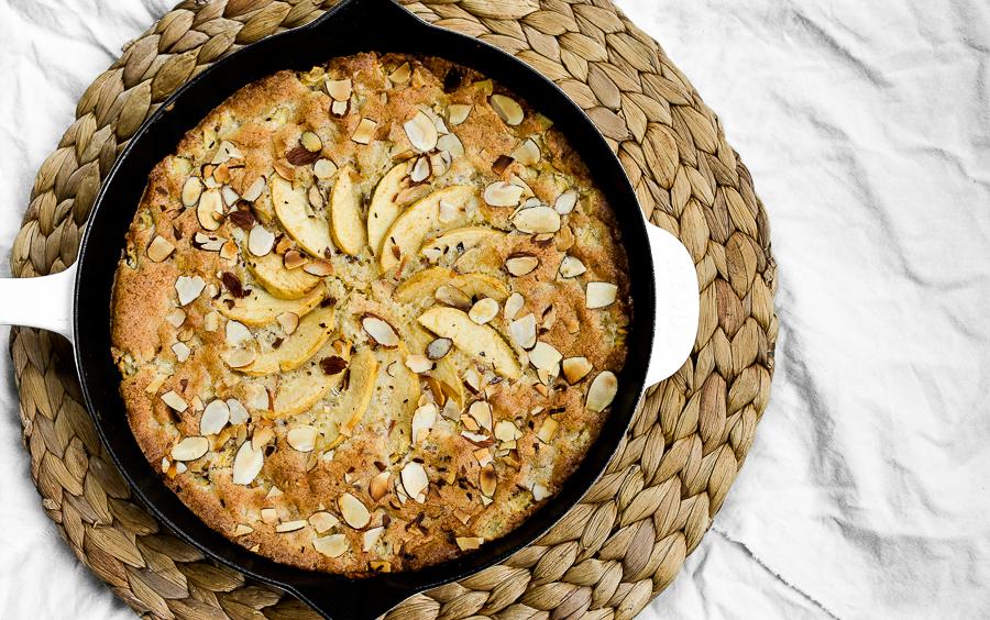almond skillet cake