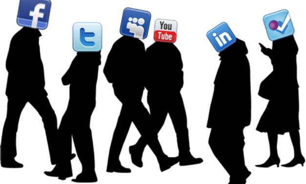PREDIKSI SOCIAL MEDIA DI TAHUN 2017