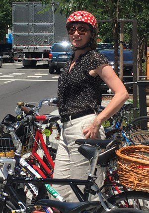 Jennifer Donlon Wyant, Sacramento's new Active Transportation Program Specialist, in her signature polka-dot helmet. Photo: Melanie Curry/Streetsblog