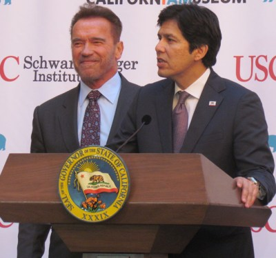 Senate President Pro Tem Kevin de León introduces former Governor Arnold Schwarzenegger. Photo: Melanie Curry/Streetsblog