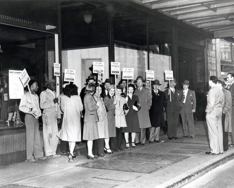 Striking Kahn's Department Store clerks prior to the Oakland General Strike.