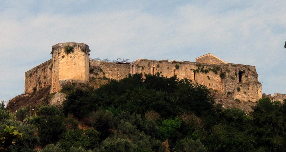 castello-hilltop