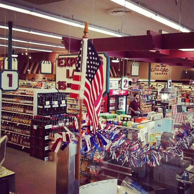 Feeling patriotic @ Calandro's today. #goamerica #forthosewhoveserved #thatisall