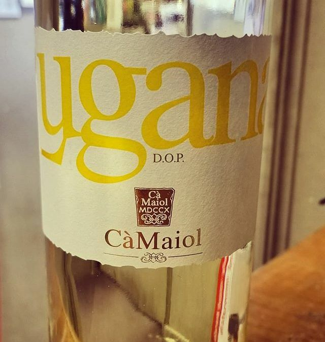 Our August Wine of the Month! CaMaiol Lugana Maiolo #wineofthemonth #wine #calandros #calandrossupermarket #calandrosmkt #italy…