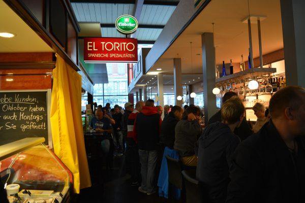 In Market Halle se bea bere si se mananca bine.