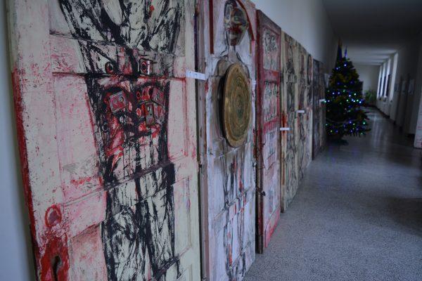 expozitie la etaj