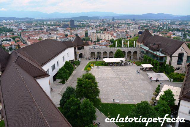 Curtea Castelului