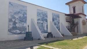 zidul manastirii comana