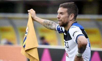 Alejandro Gomez bandierina calcio d'angolo Atalanta