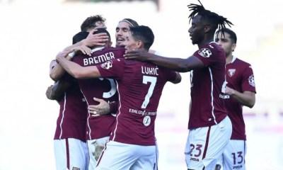 esultanza giocatori Torino
