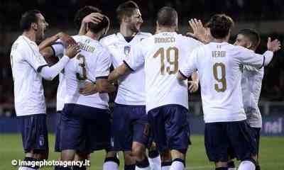 Esultanza-gol-nazionale-Italia-Chiellini-Verdi-Bonucci-Gagliardini