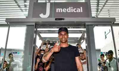 La Juventus presenta Douglas Costa