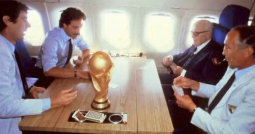 La partita a scopone sull'aereo: Zoff-Pertini vs Causio-Bearzot