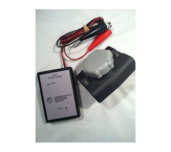 JFM TCS-1 W/ 7007 CONNECTOR TRICKLE CHARGER