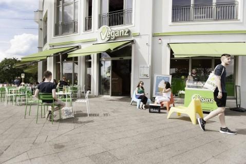 Veganz-Berlin-Friedrichshain-Sonnendeck-479x319