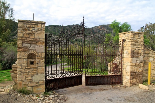 Gate of Murphy's Ranch