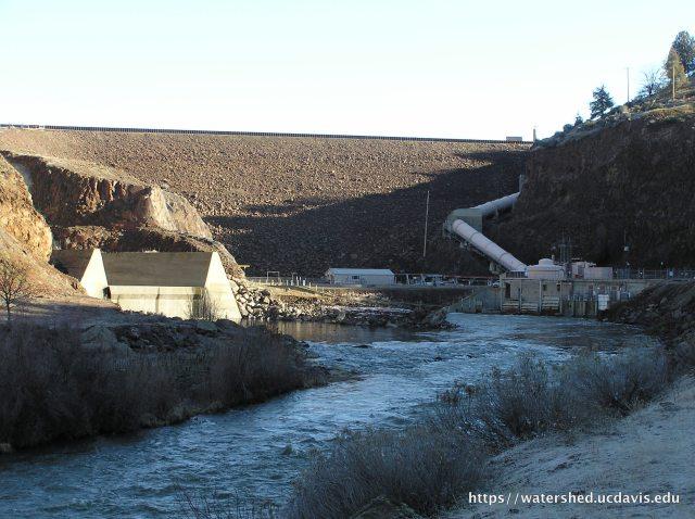 The Iron Gate Dam on the Klamath River. Photo by Rebecca M. Quiñones, 2008