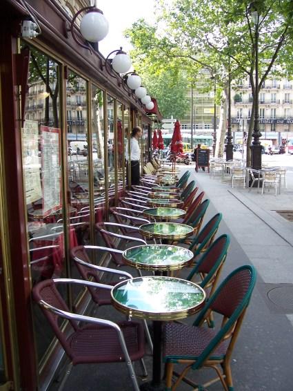 Terrasse_d'un_café_de_Paris-Paul_Munhoven