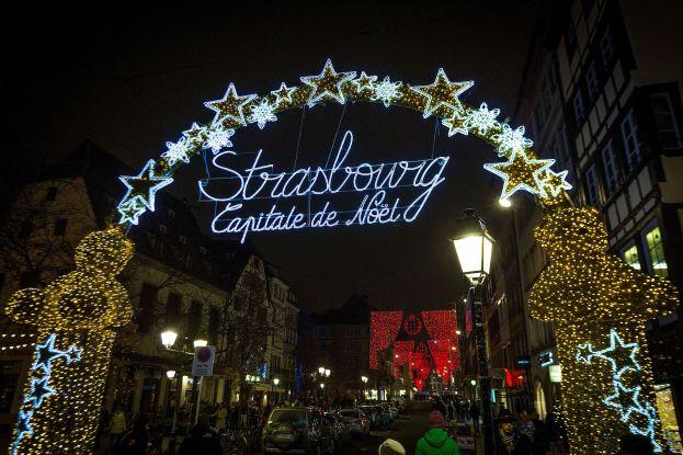 Strasbourg_capitale_de_Noël_rue_du_Vieux_Marché_aux_Poissons_5_décembre_2014