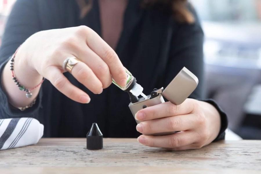 vapoter enceinte : grossesse et cigarette électronique