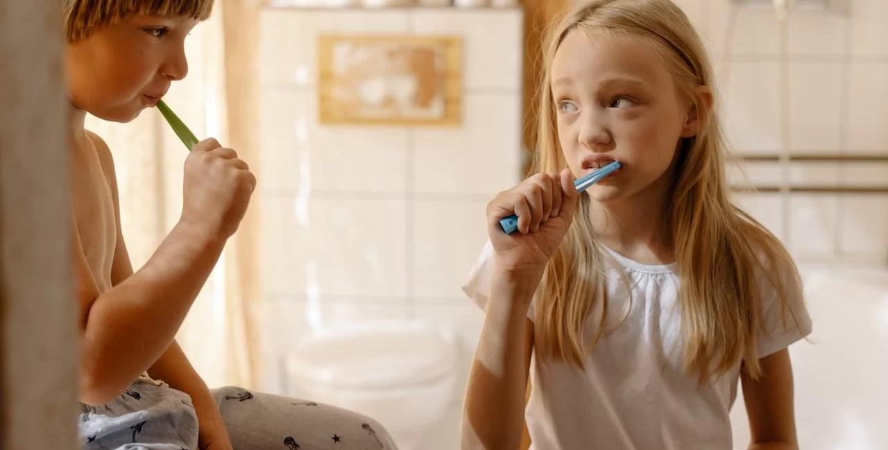 astuces brosser dents enfants