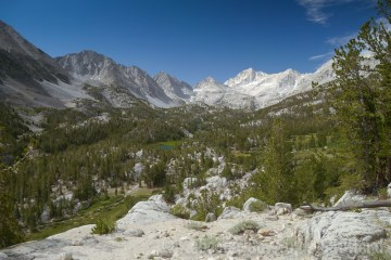 Little Lakes Valley on the way to Mount Starr