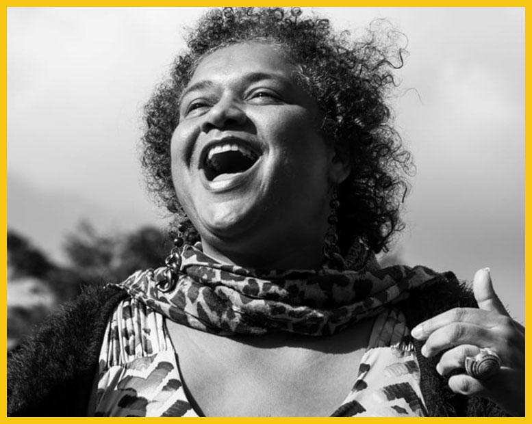 Portrait de Nadège Romer, animatrice de la formation Chant - Ma Voix en Scène.
