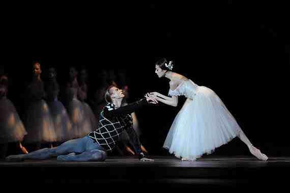 Yuan Yuan Tan and Artem Yachmennikov in Tomasson's Giselle