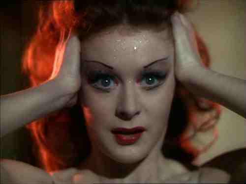 Darren Aronofsky's Black Swan, the Horror and Beauty of Ballet 17