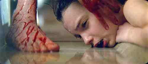 Let Me In (2010) – Kodi-Schmidt McPhee escapes drowning
