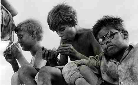 Lord Of The Flies (1963, Peter Brook) Piggy and the Schoolboys