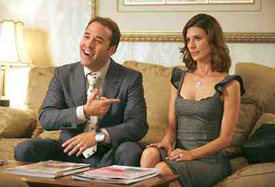 Jeremy Piven as Ari Gold and Perrey Reeves as his wife in Entourage