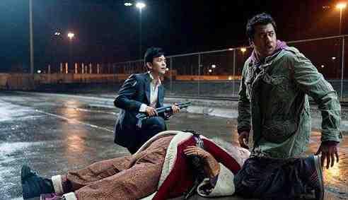 Kal Penn and John Cho in A Very Harold & Kumar 3D Christmas