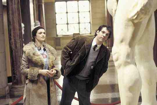 Paul Rudd and Rachel Weisz in Neil LaBute's The Shape of Things