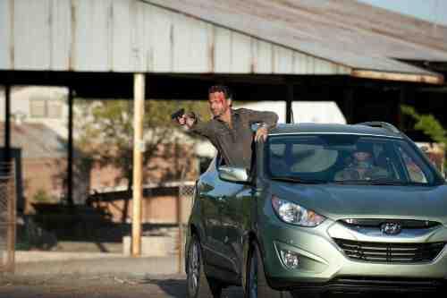 "The Walking Dead Recap: ""18 Miles Out"" (Season 2, Episode 10) 14"