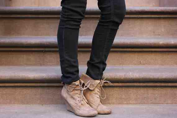 CLR Street Fashion: Nine West shoes