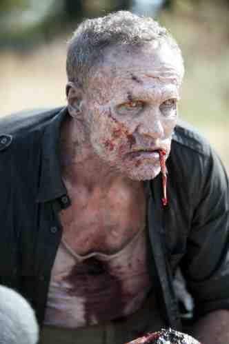 Walking Dead S03E15 zombie Merle