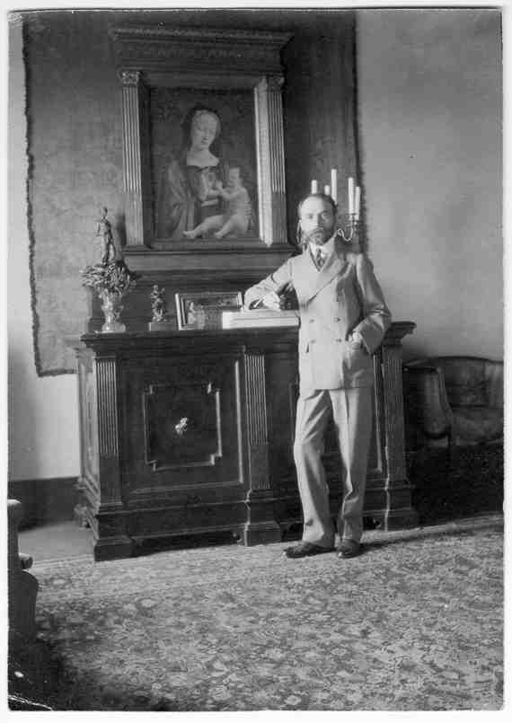 Bernard Berenson at the Villa I Tatti, Settignano, Florence, 1903