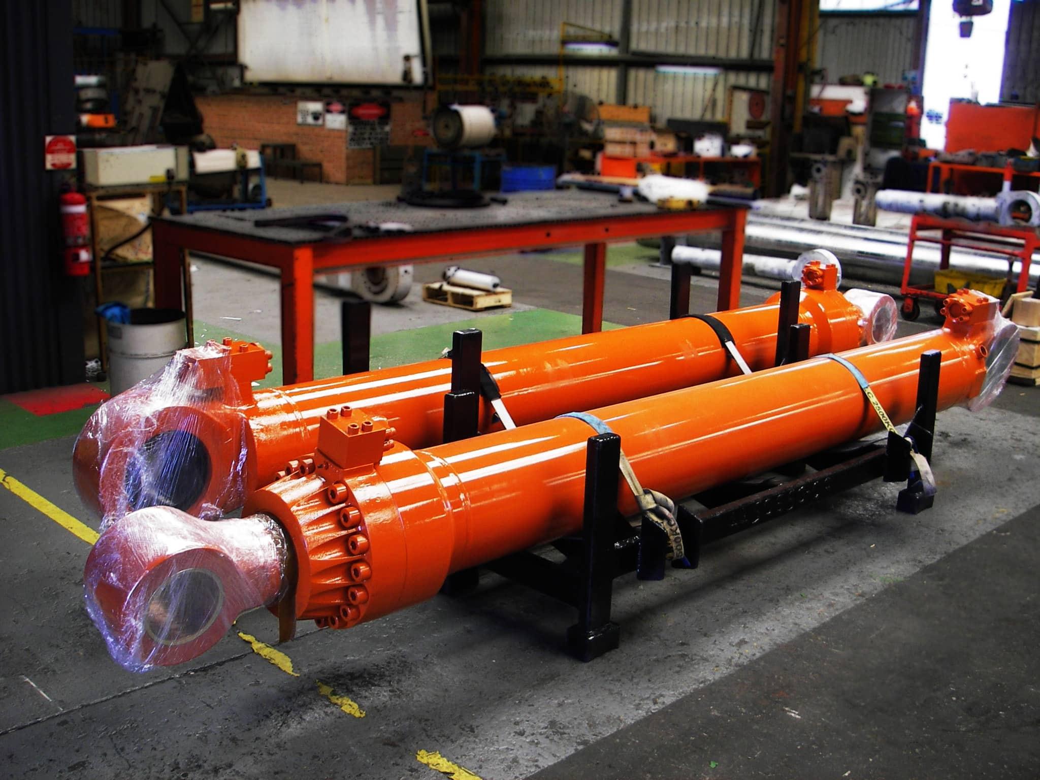 Hitachi hydraulic cylinders